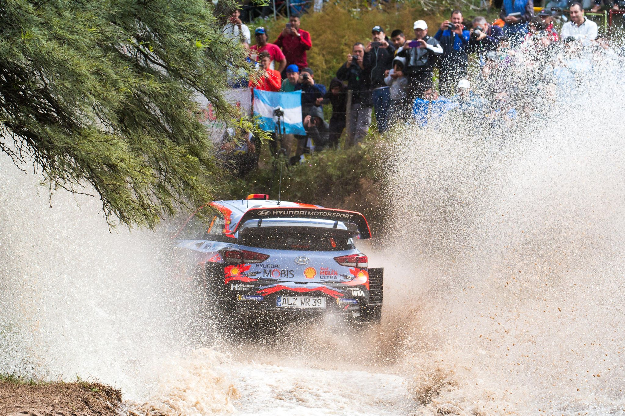 fb/Hyundai Motorsport