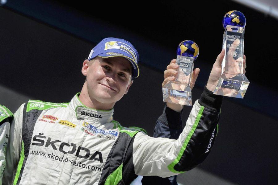 źródło: SnapLap  |  Lappi odbiera nagrodę za zwycięstwo w WRC 2
