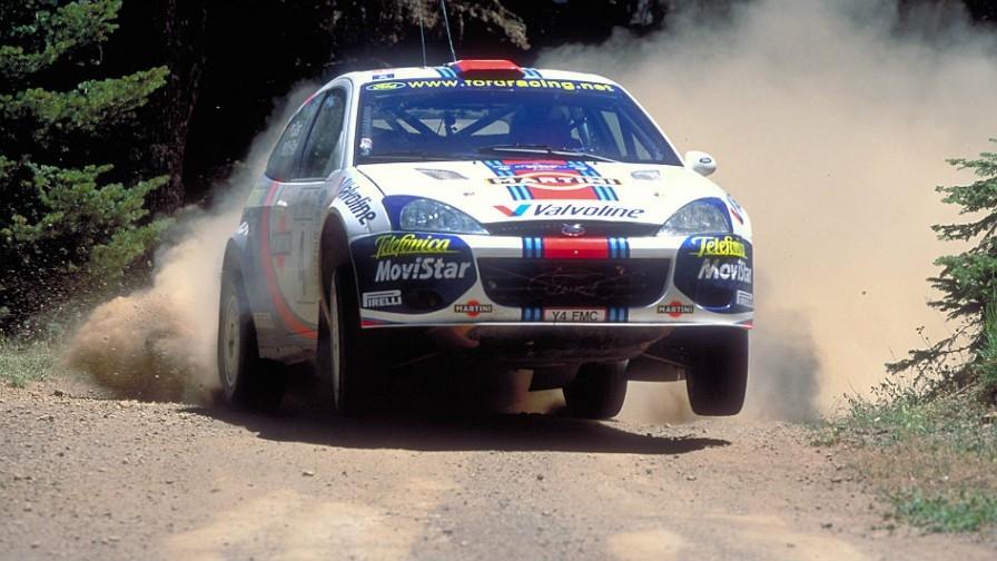 źródło: wrc.com  |  McRae leci po zwycięstwo na Akropolu w 2001