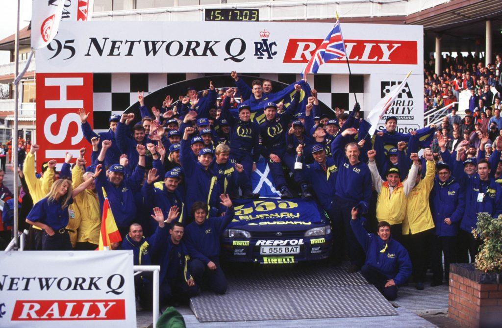 źródło:prodrive.com | Colin z zespołem po mistrzostwie w 1995