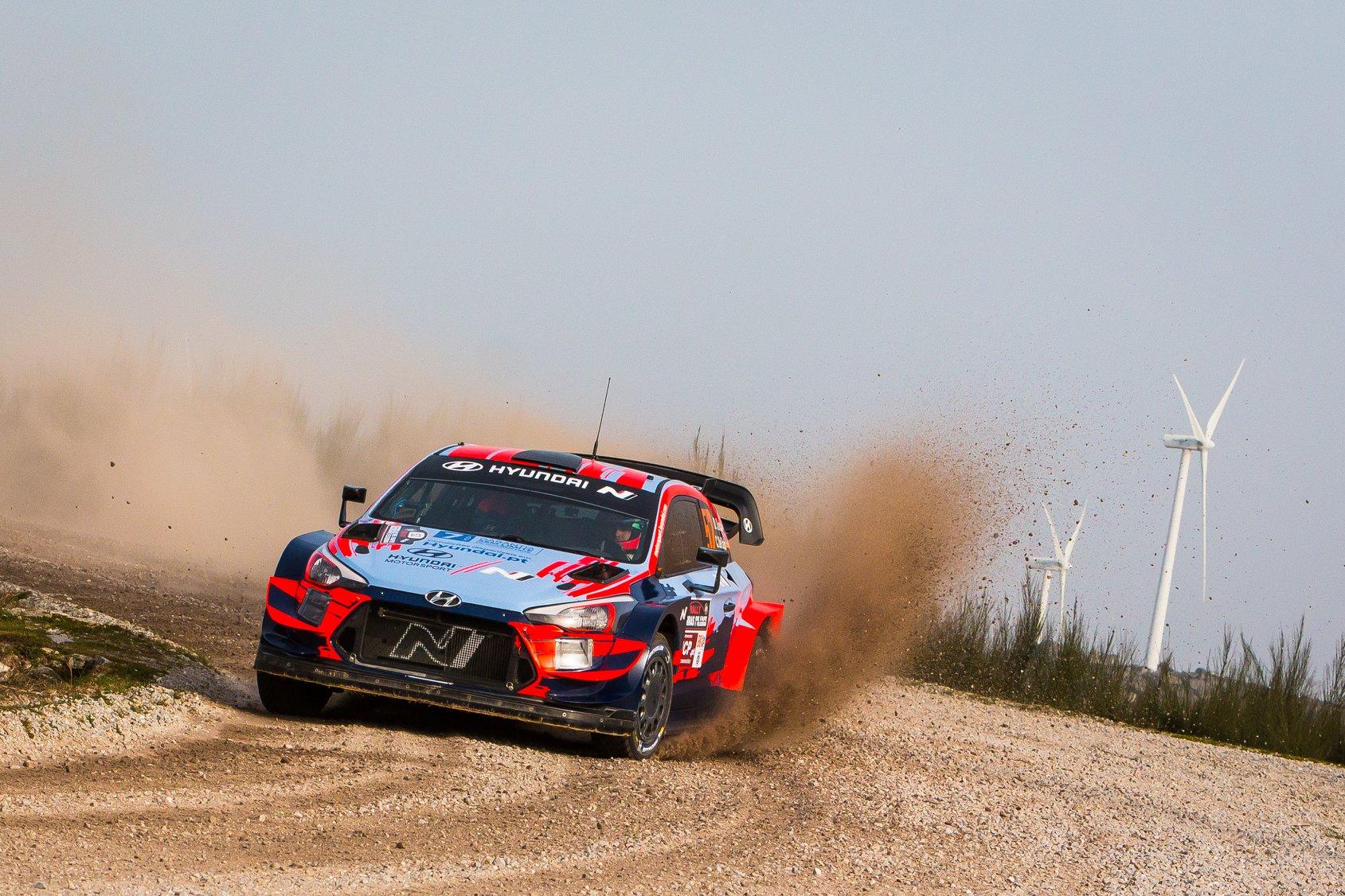 źródło: Hyundai Motorsport | Dani Sordo podczas Rally Serras de Fafe, który miał przygotować go do Meksyku
