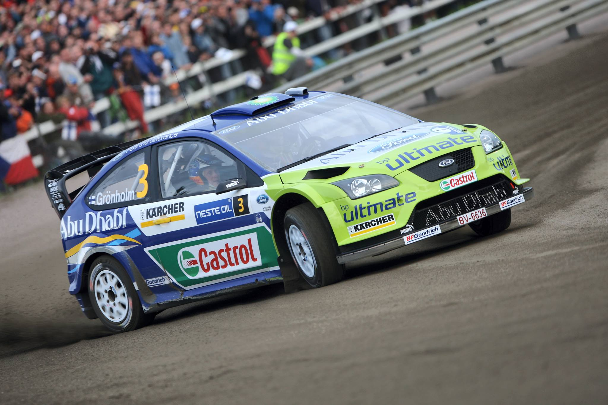źródło: Ford   Gronholm na superoesie Rajdu Finlandii 2007
